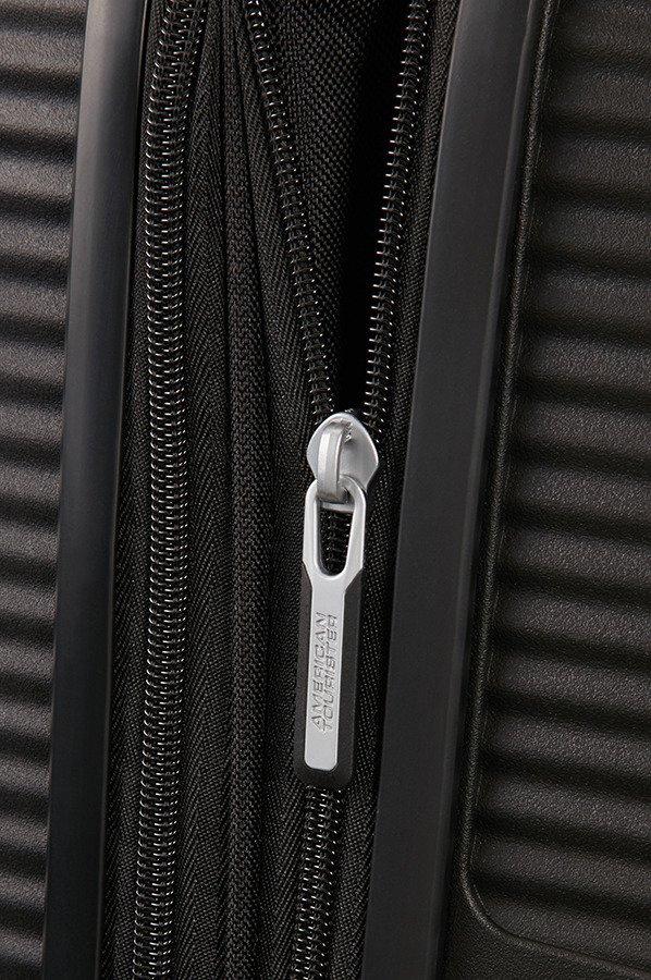Walizka American Tourister Soundbox 67 cm powiększana czarna